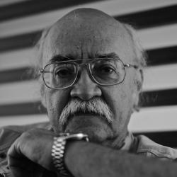 Armando Romero o la búsqueda de las palabras para el asombro