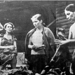 """Mujer y denuncia en los dramas """"Toda esta larga noche"""" de Jorge Díaz y  """"Tres Marías y una Rosa"""" de David Benavente"""